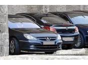 Ministros disponen hasta cinco coches oficiales