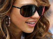 Jessica Alba estilo mami.