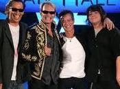 Halen posponen media gira americana