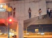 Hallan cuerpos colgados puente noreste méxico