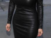 cremallera vestido juega mala pasada Kardashian