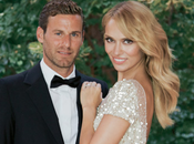 Patricia Conde casó impresionante vestido Elie Saab