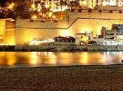 Peñiscola, castillo alza sobre