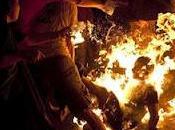 Israelí prende fuego mismo manifestación