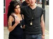 exmarido Winehouse, entre vida muerte