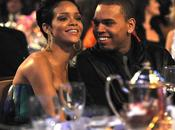 Chris Brown admite amor Rihanna
