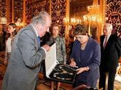 Dilma Rousseff condecorada Juan Carlos