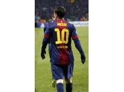 Messi disfruta hace goles cualquier césped