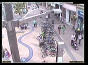 Policia Roba Bicicletas disfrazado esqueleto