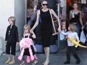 Angelina Jolie mantiene hijos pies tierra