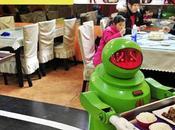 Inauguran restaurante chino atendido robots