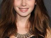 Lily Collins Claflin protagonizarán comedia romántica 'Love, Rosie' (Donde Termina Arco Iris) Cecelia Ahern