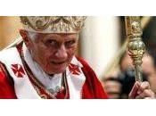 Papa renuncia cargo