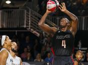 velocista Usain Bolt, logra clavada NBA.