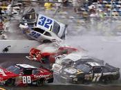 Espectacular accidente NASCAR