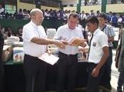 Obispado callao gorbierno regional entregaron libros religion niños pachacutec