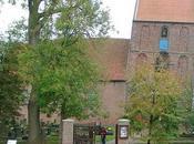 Capilla Suurhusen, edificio inclinado mundo