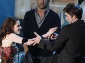 Robert Pattinson Kristen Stewart celebran Pascua familia ella