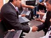 Javier alvarado entrega laptops maestros cañetanos…