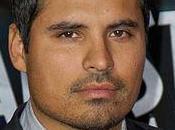 Michael Peña estará nuevo David Russell