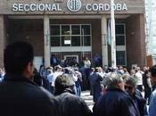 TERCER PARO CORDOBA: trabajadores plantan ante privatización