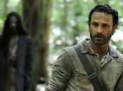 Alguien algo) acosa Rick primera imagen temporada 'The Walking Dead'