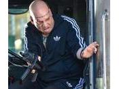 Spidey protegiendo autobús rodaje Amazing Spider-Man