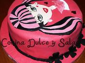 Tarta Draculaura (Monsters) para Lucía