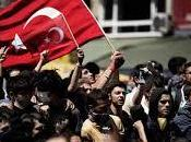 Fitch afirma protestas Turquía afectan calificación crediticia