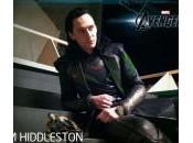 Hiddleston posa junto figura Loki Toys Thor: Mundo Oscuro