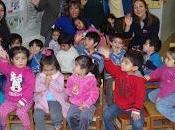Familias jardín infantil villa austral juegan vida saludable