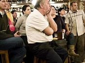 Cómo vive fútbol bares porteños