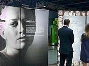 Exposición seas cómplice' contra explotación sexual mujer
