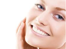 Auto masaje facial para optimizar eficacia tratamientos belleza