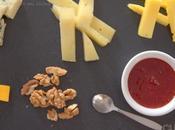 Tabla quesos mermelada albaricoques cerezas felices vacaciones!