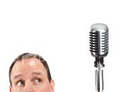 Actitud ante micrófono.
