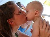 favor, besen bebé/niño boca