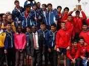 Campeones olímpicos keniatas compartieron atletas juegos deportivos escolares