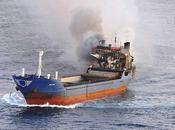 Narcotraficantes incendian buque toneladas hachís (vídeo)