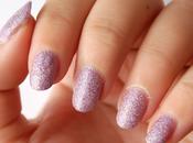 Review: Esmalte glitter estilo arena color rosa Claire's.