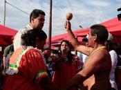 Maduro continúa brujería iniciada Chávez
