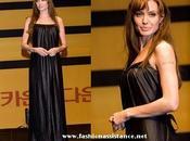 "Angeline Jolie, elige negro para presentación ""Salt"" Japón Korea"