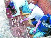 Hallan primeros restos exhumación fosa