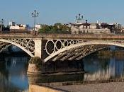 Puente Triana antiguo características