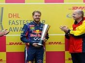 Vettel recibe premio lograr mayor numero vueltas rapidas 2013