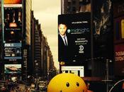 Jamaica coloca bola gigante antiestrés mismo Times Square