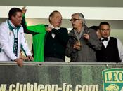 Carlos Slim, hombre rico mundo premió jugadores iPhones iPads