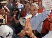 """tensa espera """"los (mineros chilenos atrapados bajo tierra)."""