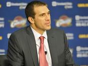 Cavs despiden General Manager