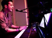 Fredi leis, canciones acarician piano